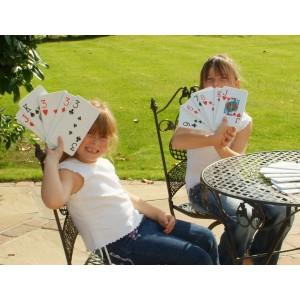 Tradisjonelle uteleker | Gigantisk kortstokk